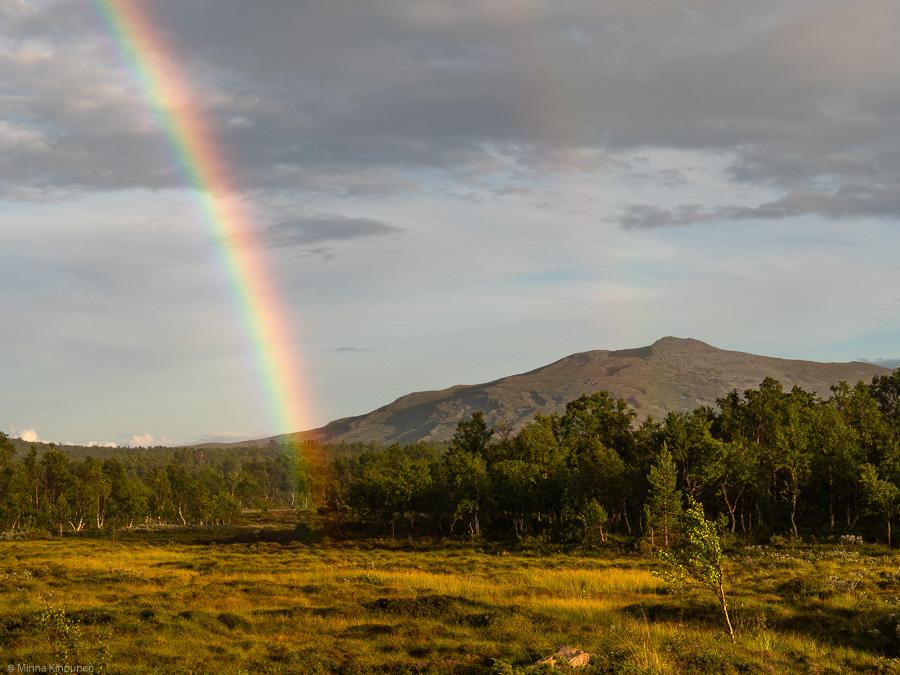 regnbåge framför Ånnfjället