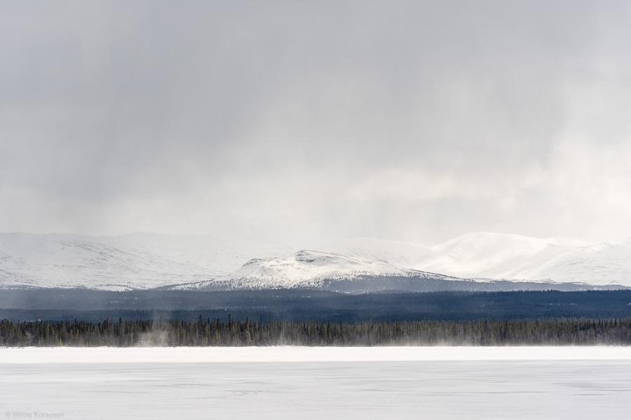 Snöfall över Anarisfjällen
